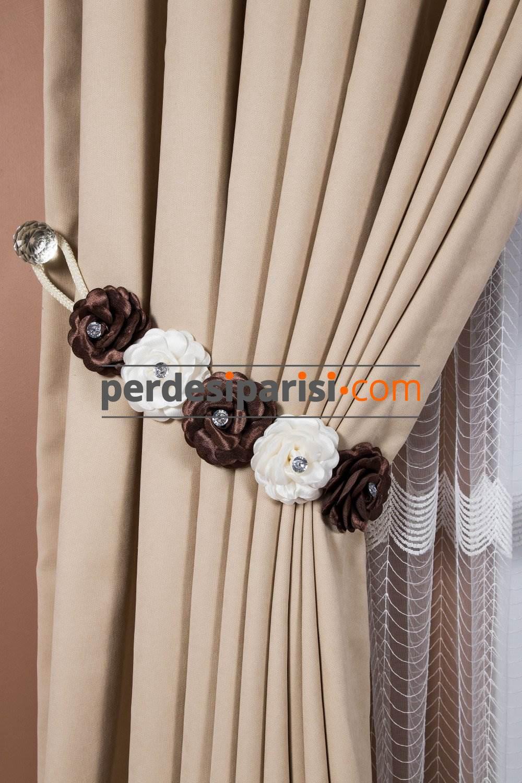Kahve-Beyaz Çiçekli Braçol