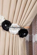 Siyah-Beyaz Çiçekli Braçol